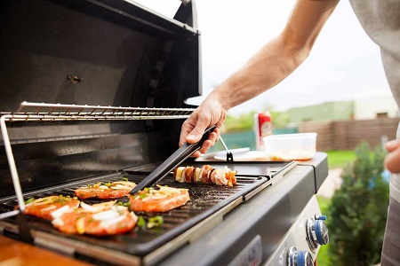 how to choose the best gas grill under 200